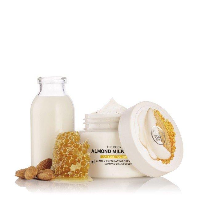 Ексфолиант за тяло за чувствителна кожа Бадемово мляко и мед
